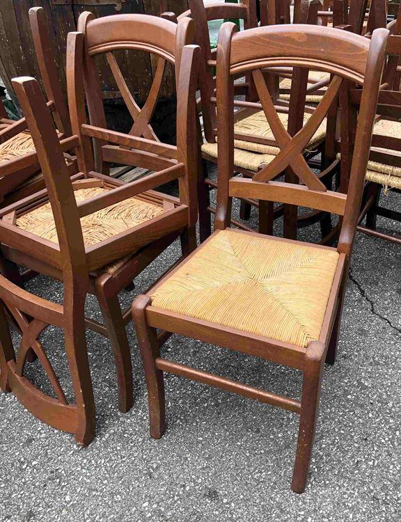 Sedia impagliata in legno massiccio